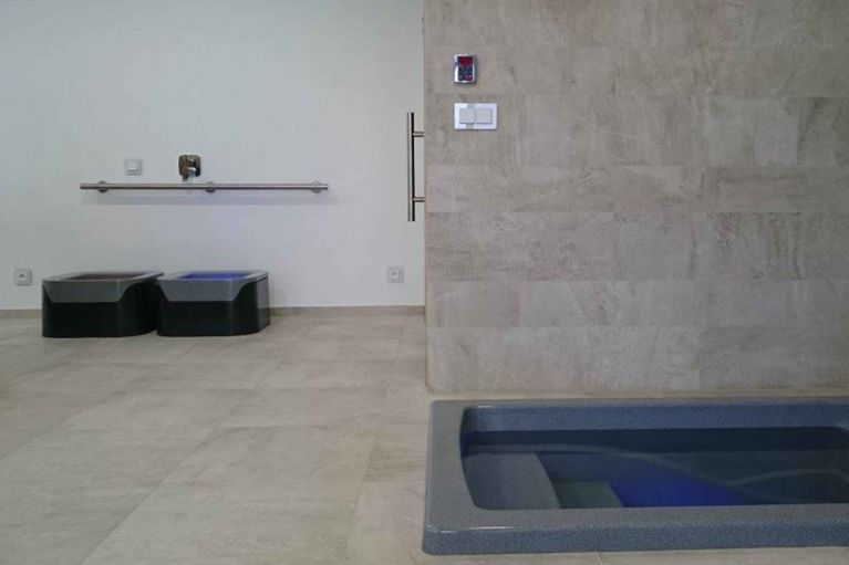 Plunge pool SHOKKI and Kneipp therapy